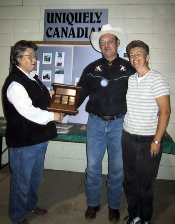 trophy-yearling-colt-liz-norm-levangie